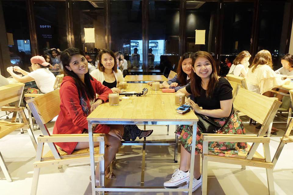 10000 Roses Cafe Cebu Trip